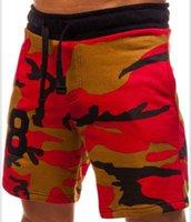 pantalones de camuflaje marrón al por mayor-Pantalones cortos de camuflaje Cinco Pantalones cortos Pantalones de playa Color Rojo Marrón Pantalones cortos de impresión casual deportivos Nuevo