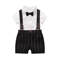 baby spielanzug junge sommer anzug großhandel-Ins Neugeborenen Jungen Kleidung Neugeborenen Outfits Jungen Anzüge Sommer Jungen Kleidung Sets Jungen Designer Kleidung Baby Anzug Strampler + Shorts A5577