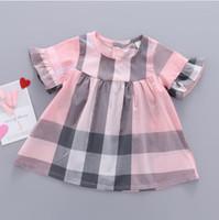 vestidos de niña de algodón coreano al por mayor-Mejor venta de ropa para niños verano 2019 nuevas chicas coreanas vestido de manga corta de algodón a cuadros vestido de princesa vestidos