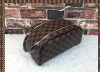 2df87d39c0 2019 Louis Vuitton uomini viaggiare toilette borsa design delle donne  lavare borse borsa grande capacità cosmetica trucco toilette sacchetto  Pouch 157