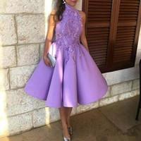 сиреневые огни оптовых-2019 светло-фиолетовый колен короткие платья выпускного вечера высокая шея вышивка кружева пухлые сиреневый арабский формальные знаменитости вечерние платья носить