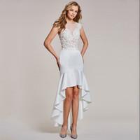 vestidos de raso blanco junior al por mayor-2018 Sexy White Satin Cap Mangas Vestidos cortos de dama de honor Cuentas personalizadas Encaje Mujeres Vestidos formales Hi-Lo Vestido de fiesta Vestidos de cóctel