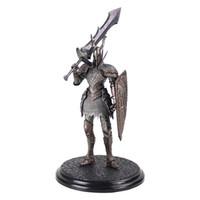 juguetes caballero oscuro al por mayor-21cm Juego Dark Souls 2 Warrior Black Knight Big Sword Shield Juegos principales PVC Ation Figura Modelo Juguetes coleccionables