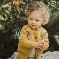 bons hauts pour les filles achat en gros de-Hiver Fille Vêtements Pull Cardigan Bonne Conception Stéréo Fleur Hiver Tricoté à manches longues pull manteau Warm Kids top chandails d'automne