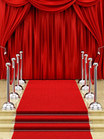 ingrosso sfondi vinili-Red Curtain Stage Hollywood Fondali in vinile Fotografia Silver Stanchions Photo Booth Backgrounds for Wedding Party Studio Puntelli