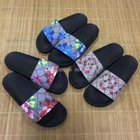 sandalias planas gruesas al por mayor-TOP 2019 Hombres Mujeres Sandalias de diapositivas Zapatos de diseñador Deslizador de lujo Moda de verano Plano plano Resbaladizo con sandalias gruesas Chanclas de zapatillas