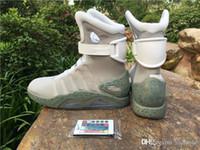sapatos de corrida luzes led venda por atacado-2019 Air mag de volta para o Futuro marca de Moda Das sapatilhas das mulheres dos homens tênis de corrida LED formadores de iluminação Chegada Nova sapato de Basquete tamanho 5-13