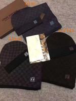 mejores bufandas de invierno al por mayor-Traje de sombrero de bufanda para hombre de alta calidad para invierno Diseñador hombre 100% lana Bufandas Tamaño 180x32cm largo bufandas sombrero Conjuntos 4 colores de mejor calidad
