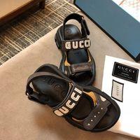 zapatos casuales marrones frías al por mayor-El más nuevo diseñador de lujo de las mujeres Carta pisos sandalias Neutral cuero genuino verano superestrellas de marca clásicos zapatos casuales de tamaño 35-44