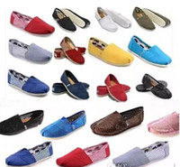 Wholesale stripe pattern flat shoe online - 2019 Dorp shipping brand men s Women s casual solid canvas shoes EVA flat pattern stripes lovers Glitter shoes Classic canvas shoes
