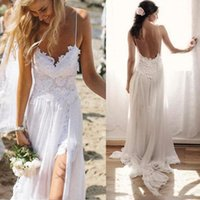 vestidos de chiffon de renda bege venda por atacado-New Beach Chiffon Wirn Lace Querida Correias mangas Backless longo Trem da varredura de casamento Custom Made vestidos de noiva