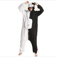 urso kigurumi venda por atacado-Preto Branco Urso Kigurumi Animal Onesie Danganronpa Monokuma Pijama Mulheres Adulto Dos Desenhos Animados Macacão Terno Polar Fleece Sleepwear