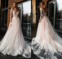 ingrosso abito da sposa rosa bridal-2019 Blush Pink Boho Abiti da sposa Scollo AV Maniche lunghe Spiaggia Bohemian Abiti da sposa Sweep Train Vestidos De Noiva