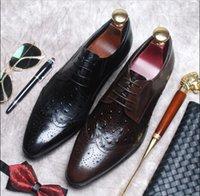 spitze kleid schuhe england großhandel-Neue Lederschuhe Herren Leder England schnitzte spitze Mode Business Kleid Schuhe atmungsaktiv Hochzeit Schnürschuhe Herrenschuhe