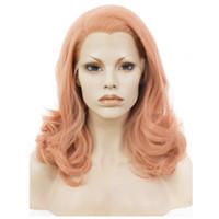 ingrosso lunghezza dei capelli delle donne-Parrucca anteriore in pizzo di alta qualità ondulata media lunghezza rosa parrucche rosa per le donne fibra di calore resistente ai capelli parrucca sintetica del merletto capelli glueless cosplay