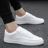 ingrosso scarpe da uomo in pelle leggera-Scarpe casual da uomo Cuoio traspirante Low-Top Fashion Light Lace-Up Scarpe da ginnastica piatte classiche all'aperto Dimensioni: 39-44