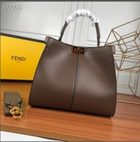 Wholesale faux leather ladies for sale - 2019 New Italian brand ladies handbag metal chain leather messenger small bag business fashion women s casual bag