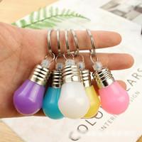 boncuk anahtarlıkları toptan satış-Renk Değiştirme Led Işık Mini Ampul Torch Anahtarlık Anahtarlık rgb boncuk anahtarlık kolye lamba noel hediyeler için çift anahtarlık çocuklar oyuncaklar