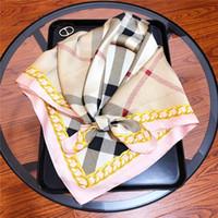 silk taschentücher damen großhandel-Erstklassiges Designerquadrat-Halstuch modische Luxusdamen kleines quadratisches Halstuch mit Plaiddruck reiner Seide 70 * 70cm Schal heißer Verkauf