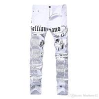 vendas de jeans venda por atacado-O calça de ganga do estilo do pisco de peito vermelho dos homens arfa o calças de Demin ocasionais elásticos impressos alto do algodão do jornal para vendas