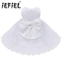 bebek beyaz nakışlı elbise toptan satış-2017 Bebek Bebek Kız Çiçek Elbiseler Vaftiz Önlükler Yenidoğan Bebekler Vaftiz Işlemeli Prenses Doğum Günü Beyaz Yay Elbiseler Y19050602