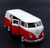 ingrosso autobus aperti-01:36 alta imitazione modello in lega di autobus, tirare indietro giocattolo del bus del metallo, 2 porta aperta per bambini veicoli giocattolo, gratis