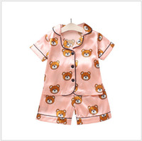 karikatür çizmek toptan satış-2019 Yeni Yaz çocuk Pijama Setleri Erkek Kız Karikatür Ayı Ev Giyim Çocuklar Iki Parçalı Set Kısa Kollu Elbise Çocuk Ev Giysileri Perakende