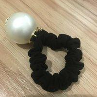 marque de perle achat en gros de-Qualité Super Bon Luxe Accessoires De Cheveux Grande Perle Avec Marques Corde À Cheveux De Mode Vip Cravate De Cheveux Avec Sac Et Timbre Partie Cadeau Pour Souvenir