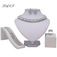 handgemachte lehm perlenkette großhandel-Mode 2018 Braut Geschenk Nigerianischen Hochzeitsschmuck Set Marke Mode Afrikanische Perlen Schmuck Set Dubai Gold Brautschmuck Sets C19021601