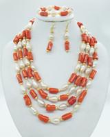 natürliche perle korallen halskette großhandel-Gratisversand! Neueste Design Braut Hochzeit Halskette Set, klassische natürliche Koralle, natürliche Perle, Halskette, Ohrringe, Armband