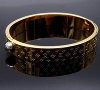 hochwertiges goldarmband großhandel-Neue Ankunft L Markengröße 5,7 * 4,9 cm Top Qualität Designer Gold / Silber / Rose Gold Armreifen Schwarz Vergoldet armband Edelstahl Armbänder