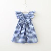 presentes azuis para meninas venda por atacado-2019 verão hotsale dress para o bebê menina xadrez backless plissado manga de volta bowknot cruz rosa de algodão azul presente da menina boutique