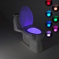 nachtlichtfarben großhandel-Intelligentes Bad Wc Nightlight LED Körper Bewegung aktiviert auf / aus Sitz Sensor Lampe 8 Farben PIR Toilette Nachtlicht Lampe