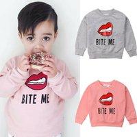 süslü bluzlar toptan satış-2019 Yeni Geliş Fantezi Sevimli Bebek Bebek Kız Erkek Kız Harf Baskı Bluz Kazak Kazak Sevimli Dudak Sıcak Giyim Tops