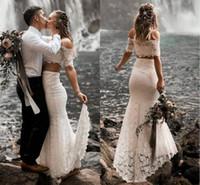 weg von weißen boho brautkleidern großhandel-Weiße Spitze zweiteilige Strandhochzeitskleider 2019 herrlich weg von der Schulter Garten Boho Brautkleider Vestidos De Novia Country Wedding Dress