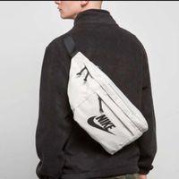 große taillenbeutel großhandel-Big Size Crossbody Taschen mit Buchstaben Gürteltasche Brand New Brusttasche Unisex Fashion Sport Einzel Umhängetaschen