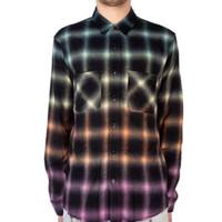 camiseta de xadrez venda por atacado-Gradiente Arco-íris Xadrez Camisa Longa Mens Camisas De Vestido De Grife Mulheres Casais Rua Top Quality Venda Quente Moda Maré Casaco Luxus HFSSJK184