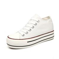 siyah yüksek takozlar toptan satış-Marka Kadınlar Casual Denim Ayakkabı Düz Platformu Takozlar Kadın Kanvas Ayakkabılar Siyah Beyaz Sneakers Mavi Yüksek Kalite İlkbahar Sonbahar Ayakkabı
