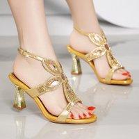 aberto, toed, alto, calcanhares venda por atacado-Sandálias de diamante de salto alto para as mulheres Xia 2020 novo estilo incrustado de diamantes de moda sexy open-toed de cristal sapatos de salto alto das mulheres
