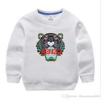 ropa clásica para niños al por mayor-Nuevo diseñador de lujo clásico 2-12 años Bebé camiseta abrigo jacekt suéter hoodle olde Traje de algodón de los niños de los niños Conjuntos de ropa SUÉTER