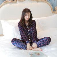 servicio de terciopelo al por mayor-Terciopelo Invierno Comfort Oro de pijamas ocasional de las mujeres de manga larga de dos piezas de la muchacha coreana de solapa Cardigan Inicio de conjunto de servicios
