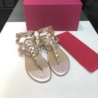 kadın tanga sandaletler toptan satış-2018 yeni kırmızı Gerçek Deri Yepyeni Ayakkabı Kadınlar Thong Sandalet Yaz Kadınlar Plajı Sandalet Ünlü çevirin Fllops