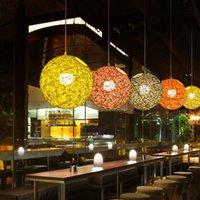 candelabros de ratán al por mayor-NUEVA personalidad creativa Lámparas colgantes coloridas Restaurante Bar Cafe Lámparas Campo de ratán Pasta Ball led E27 Lámpara colgante de lámpara de luz