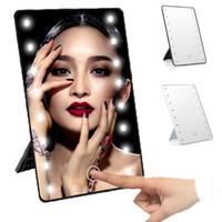 ingrosso supporto da tavolo portatile-Specchio per il trucco illuminato a 16 LED con lampada luminosa Specchio per il trucco portatile per il desktop con touch screen