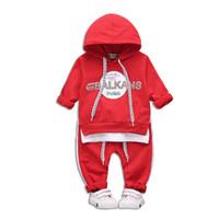 ingrosso ragazzi falsi-Baby Tuta Berretto in cotone Casual Baby Sport Imposta Pullover False Due abiti di moda a due pezzi Età 1-4 Kids Boy Clothing 18311