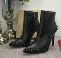 schwarze high heel stiefel spikes großhandel-2019 luxus schwarz rot leder mit spikes spitzen zehen damen stiefeletten mode designer sexy damen rote untere high heels schuhe pumpen