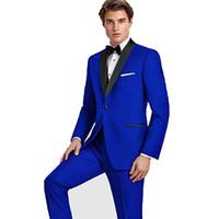 siyah takım elbise yelek toptan satış-Custom Made Damat Smokin Kraliyet Mavi Groomsmen Şal Siyah Yaka Best Man Suit Düğün / Erkekler Damat Suits (Ceket + Pantolon + Yelek + Kravat) A32