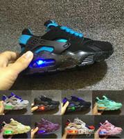 blinkende lichter für laufende schuhe großhandel-Flash Light Air Huarache Kinder Laufschuhe Sneakers Infant Kinder Huaraches Huraches Designer Hurache Casual Baby Jungen Mädchen Sneakers