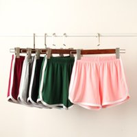 Wholesale Outdoor Sports Shorts Running Yoga Fitting Woman Shorts Pants Running Legging Slim Fit Yoga Exercise Beach Pants Home Use