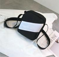 beste luxus-umhängetasche großhandel-Meistverkaufte Marke Designer MINI Cross Body Taschen Champ Stickerei Luxus Messenger Bag Mens WOMENs Schulter Cross-Body Bag mit Reißverschluss 3 Farben